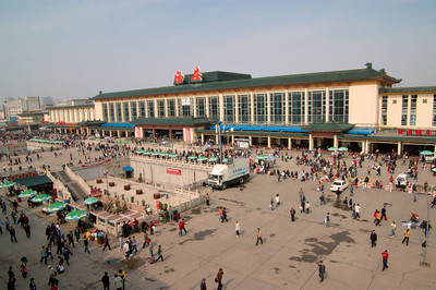 20081018_2019 Xi'an train station, viewed from atop the Xi'an city wall.
