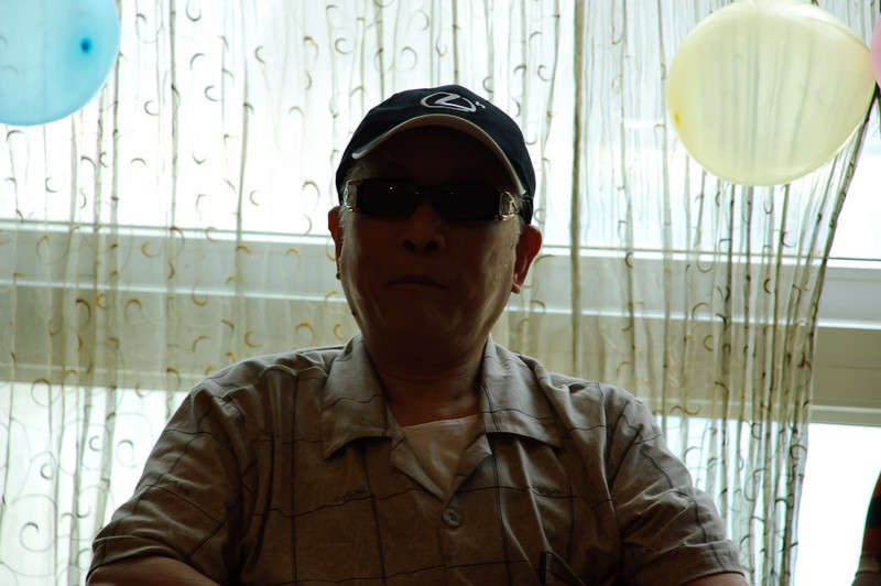 We had a huge lunch to celebrate Tong's parent's 49th wedding anniversary.  This is Tong's father.