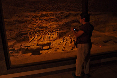 20130504_1425_0340 underground 'pit-level' display. Hanyangling, Xianyang, China