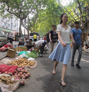 20150902_1208_1612 streetside of BianJia, Xi'an