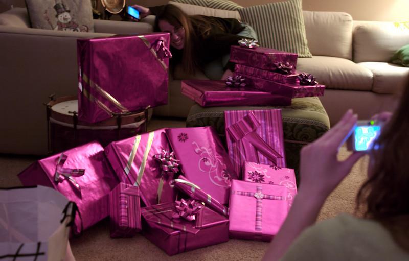 Christmas 2007 at Jim and Ronnie's, Karina's Stylin Wrapping Job