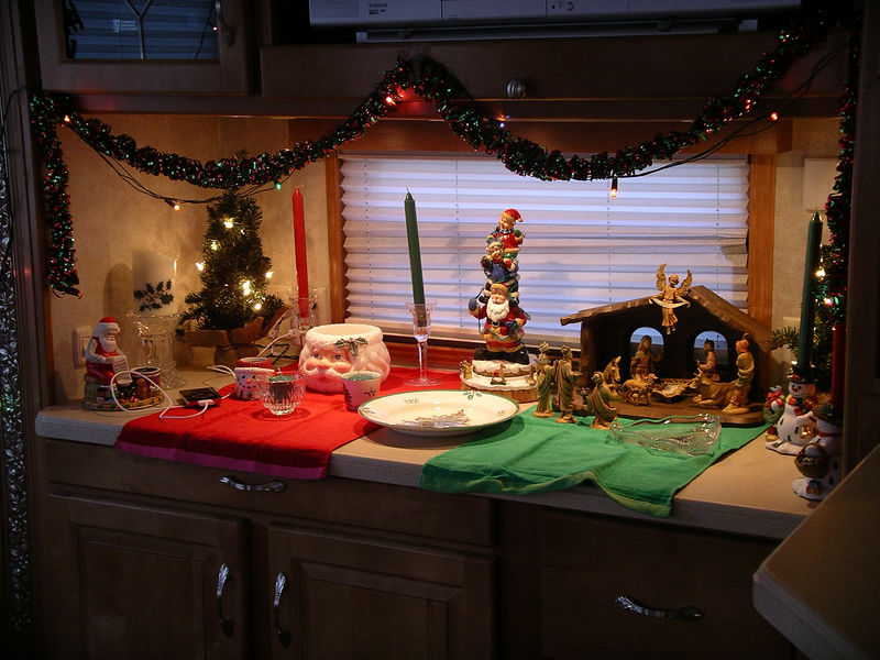 Roe did a great job of making the trailer seem like home for the holiday's.