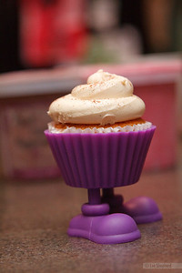 Lindsay's fancy cupcakes with feet.