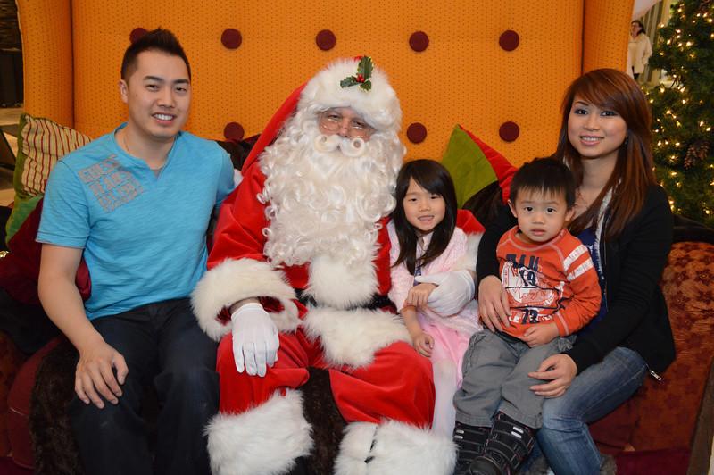 2013 Xmas Photo with Santa