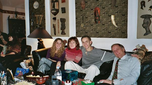 2003-12-25  Xmas wit Da Zebras0012
