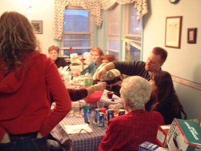 2004-12-25 Izzo's Christmas 00003