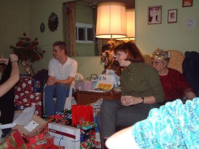 2004-12-25 Izzo's Christmas 00016
