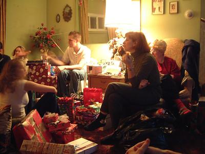 2004-12-25 Izzo's Christmas 00019