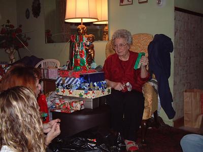 2004-12-25 Izzo's Christmas 00012