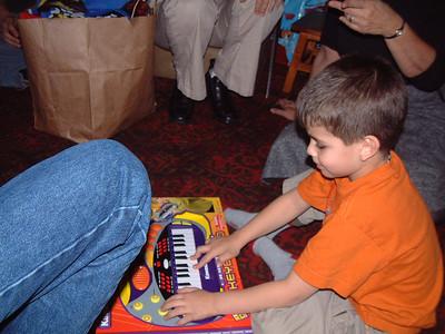 2004-12-25 Izzo's Christmas 00011