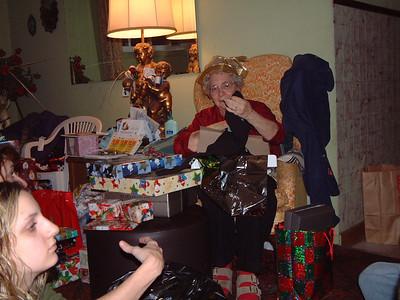 2004-12-25 Izzo's Christmas 00014