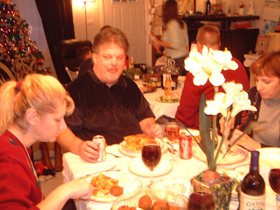 2005-12-25 Christmas at The Thomas Resident 00002