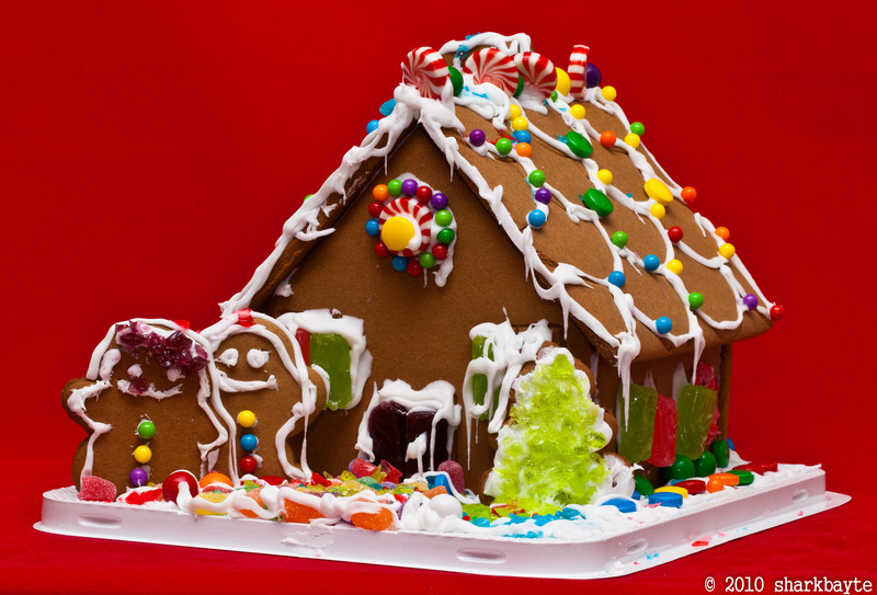 My first Gingerbread house. (2010.12.18) @sharkbayte