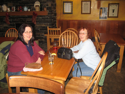 The Thursday after Christmas was a bit of a girls day out.  Here are Kelly and I at O'Byrnes Irish pub on White avenue