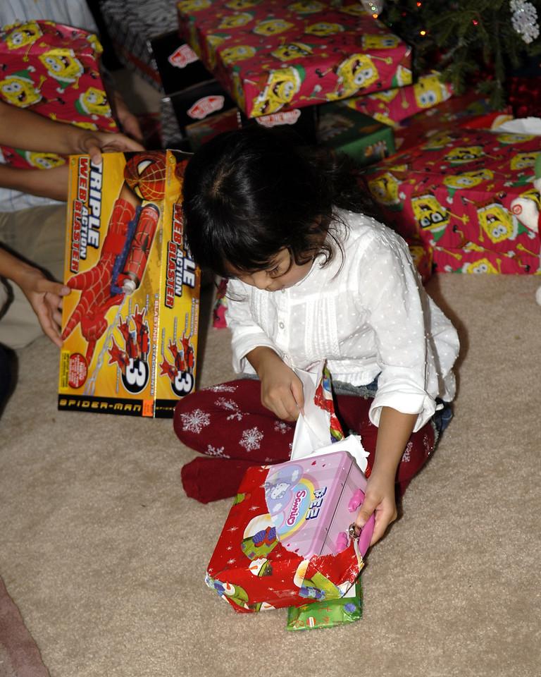 2006 12 24 - Xmas Eve at Joe and Mel's 047