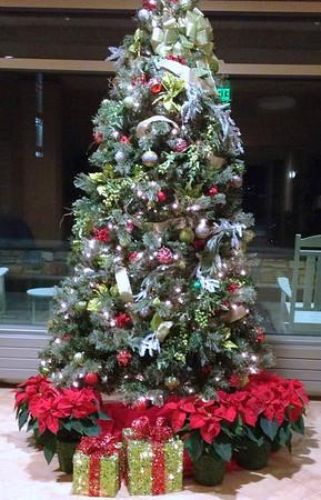 2011 12-04 MJH Lobby Christmas decorations