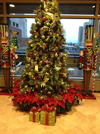 2011 12-21 MJH lobby decorations