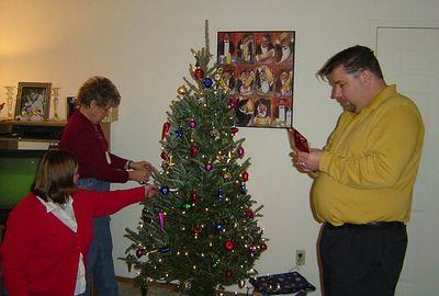 Tree Time-Mom, Heidi,Steve
