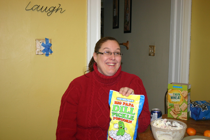 Shari gets a bag of Big Papa Dill Pickle Popcorn ( 2013 )