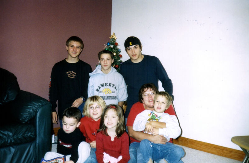 Brady, Alex, Cory, Brock, Cassie, Morgan and Gavin with Grandma Fran