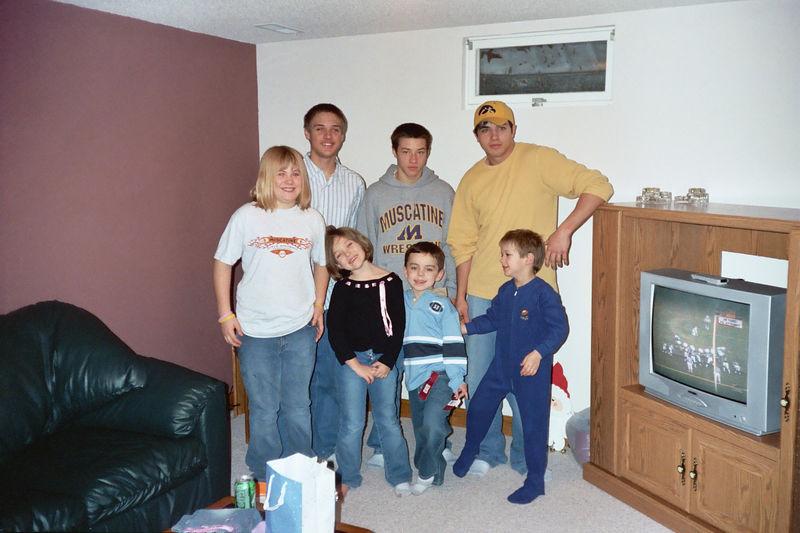 Cassie, Brady, Alex, Cory, Gavin, Brock and Morgan posing for a christmas photo