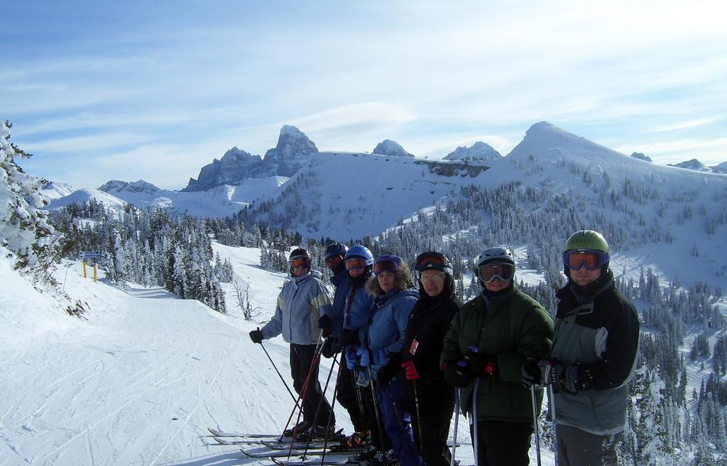 Carla, Gary, Dick, Peggy, Barbara, Mom and me.
