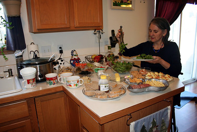 On Christmas day Mom, Dad, Grandma Peak, Uncle Tom, Chris, Lorinda, Anissa, & Makenna came over to my house.  We had a buffet style lunch.  2013
