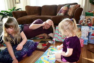 Now Papa Peak playing the Lady Bug game with Anissa & Makenna.