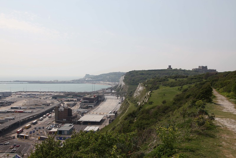 Walking from Lighthouse to Dover castle