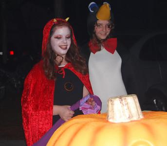 36 Devil talking to the pumpkin