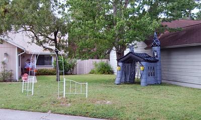 14 The Halloween yard begins