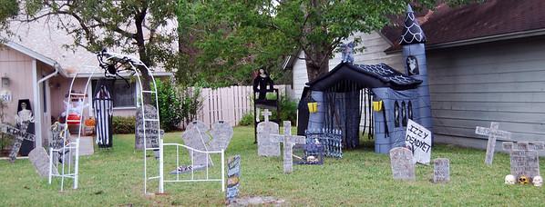 15 Halloween yard starting to get spooky