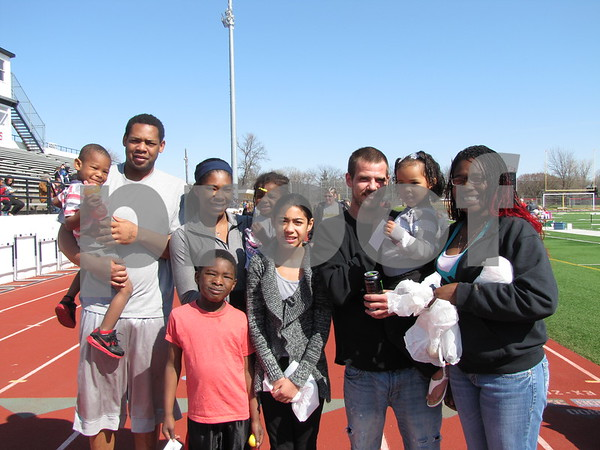 Andre Walker holding D'dryion W., Shaila Mosley holding D'aila W., D'terrius Jenkins (in front), Asia Jenkins, Nick Ashton holding Destiny Ashton, and Shanae Mosley.