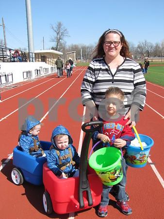 Jacob and Joshua (in wagon), Matthew, and mom Tonya Peltz.