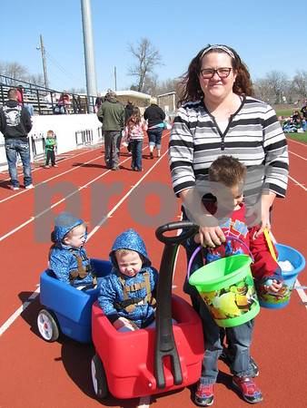 Jacob and Joshua in wagon, with mom, Tonya Peltz and Matthew Peltz.