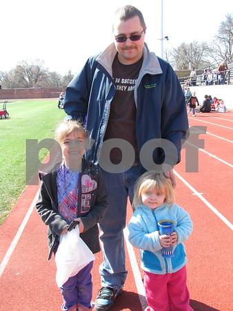 Jason Sundermeyer and his children Janessa and Clariety