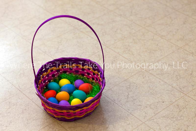 18  Eggs In A Basket