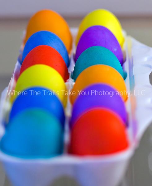 12  Colored Eggs