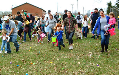 Diane Raver   The Herald-Tribune Kids in the youngest age group participated in the first hunt of the afternoon.