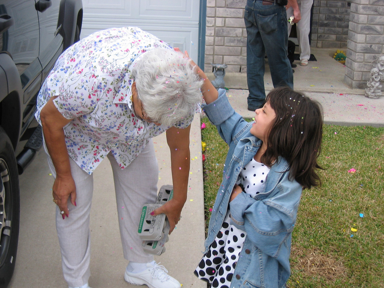Aaaaw too cute... Granny giving in to Lexy :)