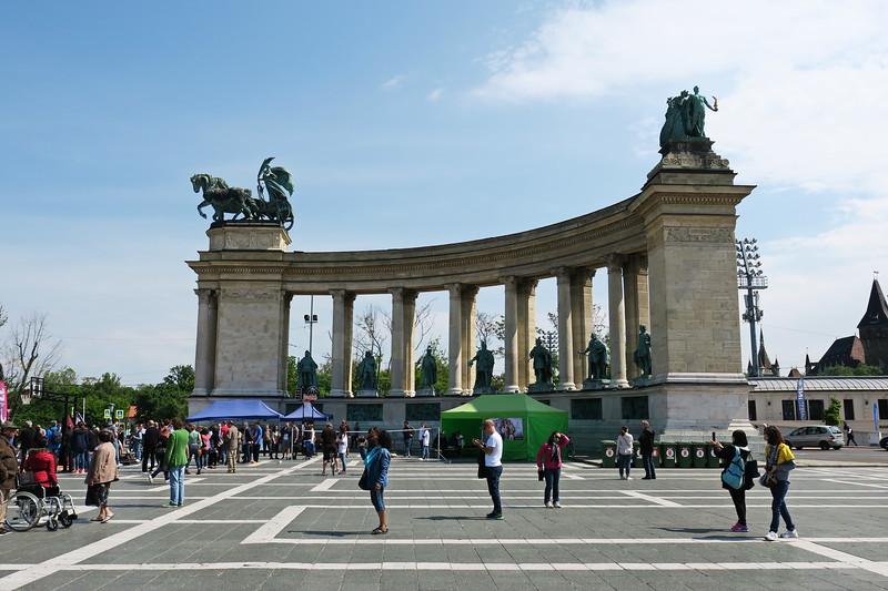Hungary - Budapest - Hero's Square 13