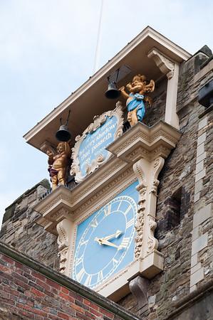 Ray, Torenklok uit 1561. Vermoedelijk de oudste nog werkende klok van Engeland.