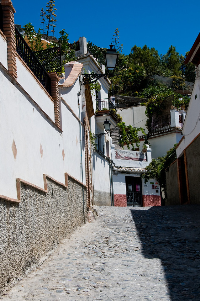 The incredible district of sacromonte.
