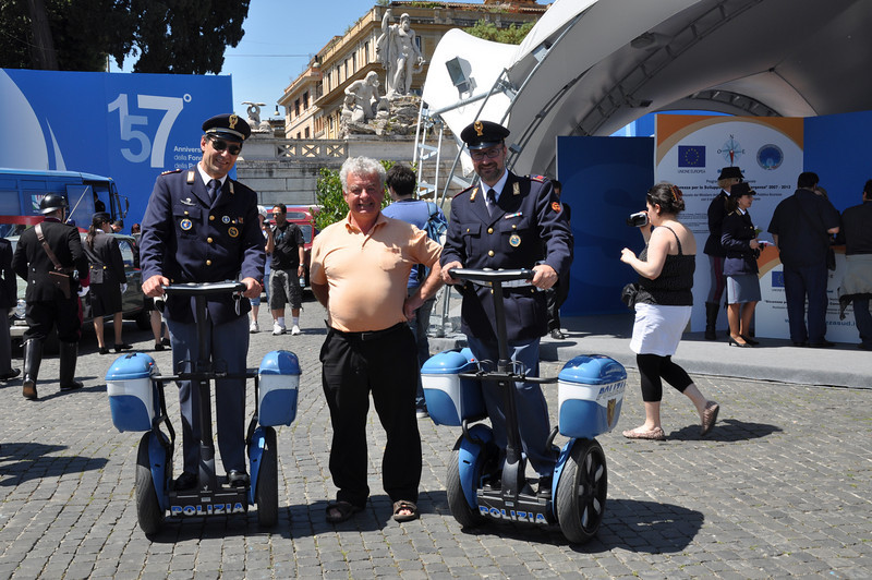 Ian's about to be arrested by friendly Italian policemen with their latest toys