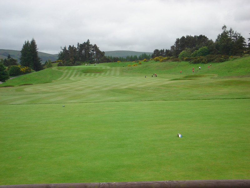 STOPOVER FOR BREKKIE @ GLENEAGLES ON THE WAY UP - 1st HOLE ON KING'S, 5th JUNE.