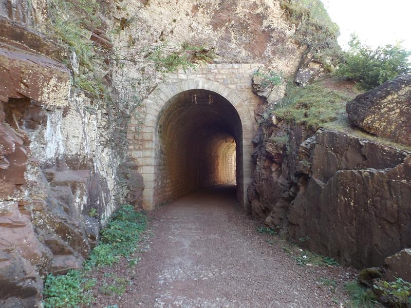 Tunnel vers le Pont de la mariée