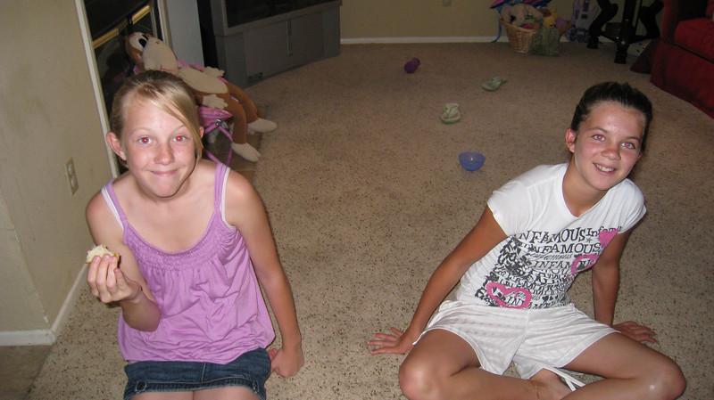 Devon and Dakota, Jennifer Chandlers girls.