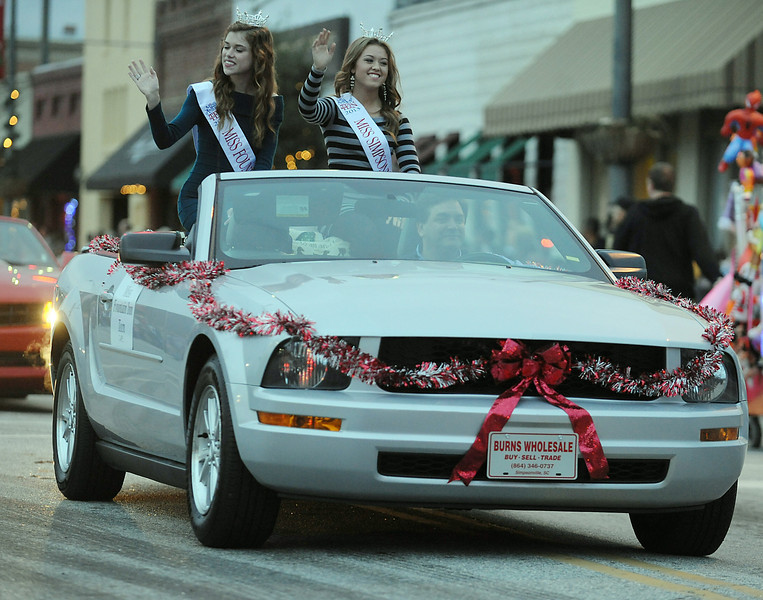The Fountain Inn Christmas Parade ushers in the Spirit of Christmas Past Festival.<br /> GWINN DAVIS PHOTOS<br /> gwinndavisphotos.com (website)<br /> (864) 915-0411 (cell)<br /> gwinndavis@gmail.com  (e-mail) <br /> Gwinn Davis (FaceBook)