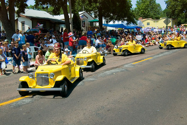 "<font size=""3"">The Shriners always have several units in the local parades.</font>"