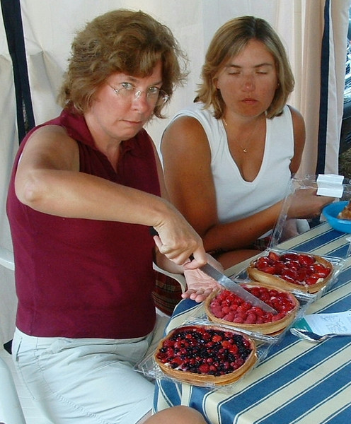 cakes - i think someone had just asked lorraine to share !!!!!